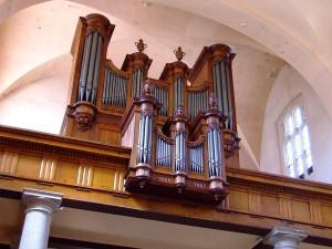 Die Callinet-Orgel in der Kirche Notre-Dame in St-Etienne – Bild von Jeanluc42 unter gemeinfreier Lizenz